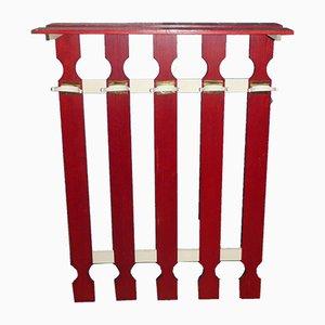 Vintage Garderobe in Rot & Weiß
