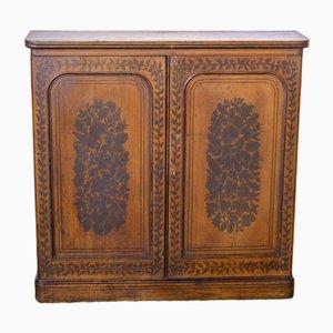 Antiker viktorianischer Schrank mit handbemalten Verzierungen