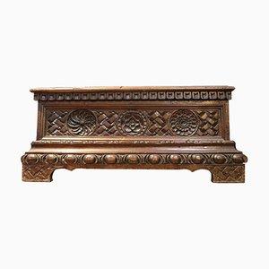 Portagioie antico in legno di noce intagliato, inizio XIX secolo