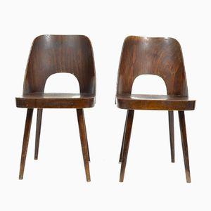 Stühle aus Schichtholz von Oswald Heardtl für TON, 1960er, 2er Set