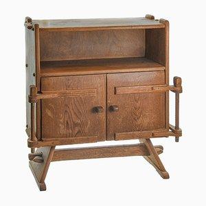 Mueble alpino tallado con puertas, años 30