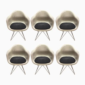 Vintage Armlehnstühle aus Fiberglas von Charles & Ray Eames für Herman Miller, 1970er, 6er Set