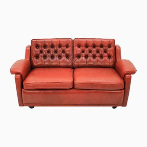 Sofá de dos plazas danés de cuero rojo, años 60