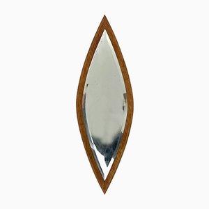 Ovaler italienischer Spiegel mit Rahmen aus Nussholz, 1950er