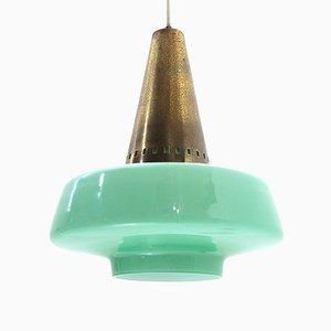 Lámpara colgante italiana Mid-Century de latón y vidrio verde de Stilnovo, años 50