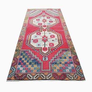 Türkischer Vintage Teppich mit geometrischem Design