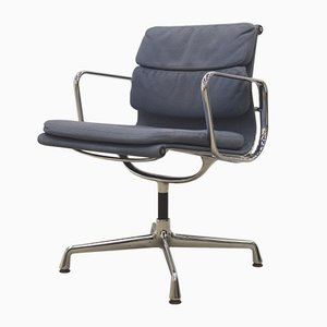 EA207 Soft Pad Chairs by Charles & Ray Eames for Vitra, Set of 8, 1980s