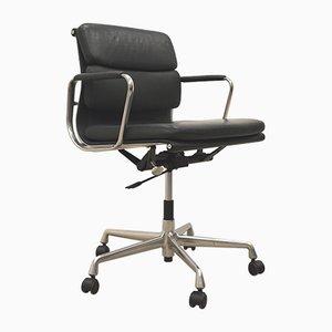 Chaise de Bureau EA217 Verte par Charles & Ray Eames pour Vitra, 1980s