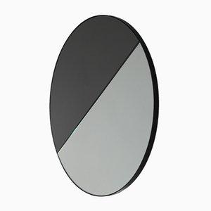 Miroir Dualis Orbis Mixte Rond avec Cadre Teinté Noir par Alguacil & Perkoff Ltd, 2019