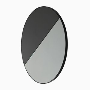 Runder Mixed Zinnt Dualis Orbis Spiegel mit schwarzem Rahmen von Alguacil & Perkoff Ltd, 2019