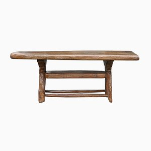 Mesa de centro brutalista antigua de roble alpino tallada a mano