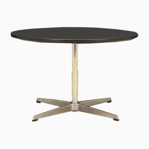 Tavolo rotondo di Arne Jacobsen per Fritz Hansen