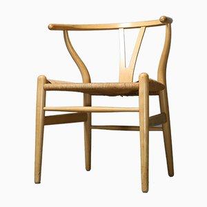 Sedia CH24 Wishbone Y-Chair in faggio di Hans J. Wegner per Carl Hansen, anni '80