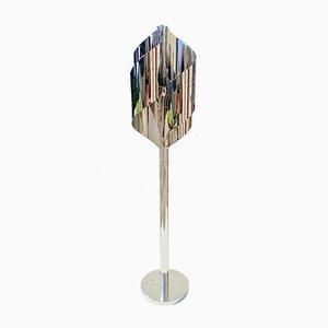 Lampada da terra scultorea in metallo cromato di Reggiani, anni '60