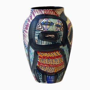 Dino Porzellanvase mit Menschenaffen-Motiv von Gur Inbar