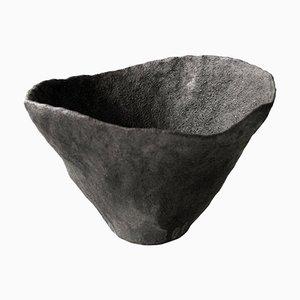 Volcano Gefäß aus Keramik von Jojo Corväiá, 2018