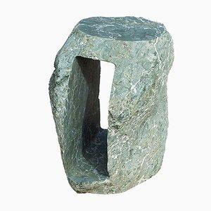 Mesa de centro Daybase con piedra volcánica esculpida a mano de Rooms