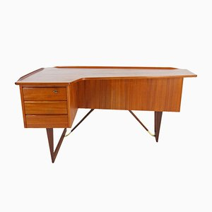 Boomerang Desk by Peter Løvig Nielsen for Hedensted Møbelfabrik, 1965