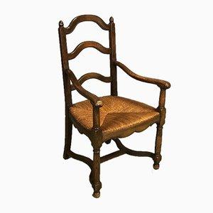 Antiker Armlehnstuhl aus Kastanie & Stroh