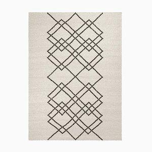 Schwarz auf Naturweiß Borg #03 Teppich in Wolle von Louise Roe für Louise Roe Copenhagen