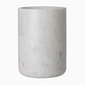 Maya Vase aus weißem Marmor von Louise Roe für Louise Roe Copenhagen