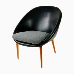 Vintage Leatherette Shell Chair
