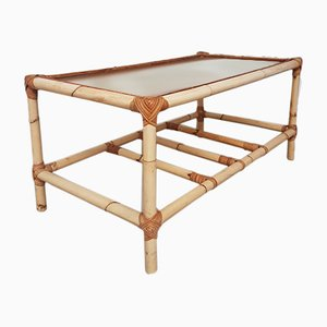 Tavolino da caffè Mid-Century in bambù e vimini con ripiano in vetro
