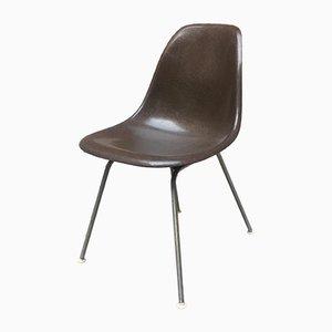 Sedie in fibra di vetro di Charles & Ray Eames per Vitra, anni '50, set di 2