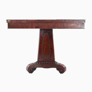 Mesa de té antigua de caoba
