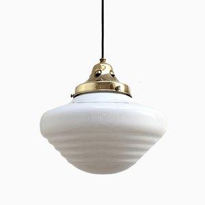 Lampe à Suspension Art Déco en Verre Opalin et Laiton Poli