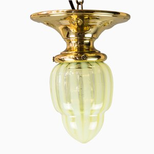Kleine antike gelbe Deckenlampe aus Opalglas im Jugendstil, 1910er