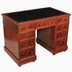 Kleiner Schreibtisch aus Nussholz, 1890er