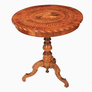 Antiker italienischer Sorrento Tisch aus Nussholz mit Intarsien