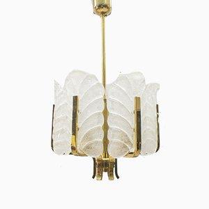 Lámpara de araña de latón y hojas de vidrio de Carl Fagerlund para Orrefors, años 60