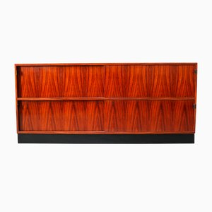 Credenza in palissandro di Florence Knoll per Knoll Inc., anni '50