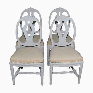 Antike lackierte schwedische Esszimmerstühle im gustavianischen Stil, 4er Set