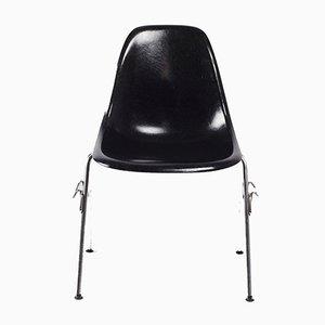 Sedia DSS in fibra di vetro nera di Charles & Ray Eames per Herman Miller, 1972