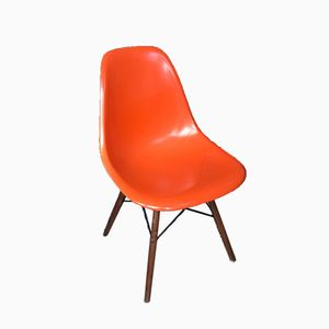 Chaise DSW par Charles & Ray Eames pour Herman Miller, 1977