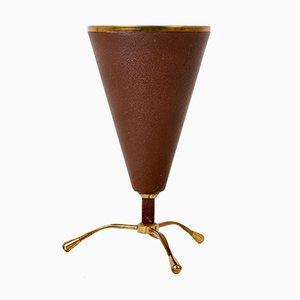 Lampada da tavolo conica in ottone e metallo bordeaux di Stilnovo, anni '50