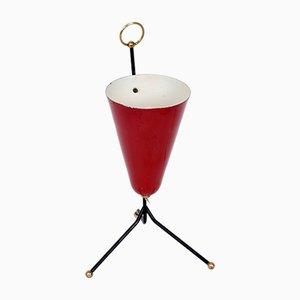 Lámpara de mesa italiana cónica de metal lacado en rojo y latón, años 50