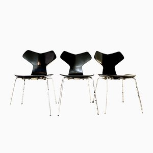 Vintage Grand Prix Chairs by Arne Jacobsen for Fritz Hansen, 1970s, Set of 3