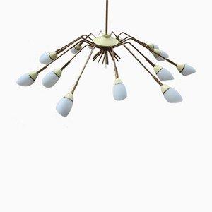 Lampadario Mid-Century in ottone e vetro bianco