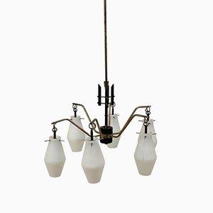 Lámpara de araña italiana de vidrio opalino y latón con seis brazos de Stilnovo, años 60