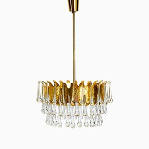 Lámpara de araña grande de latón con gotas de cristal de Palwa, años 70