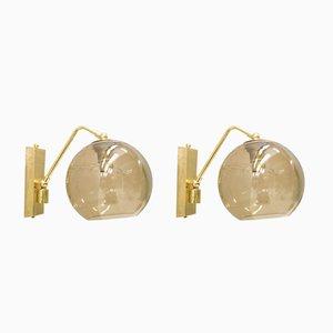 Lámparas de pared de latón y vidrio ahumado, años 60. Juego de 2