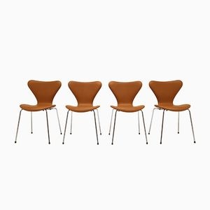 Vintage Model 3107 Butterfly Stacking Chairs by Arne Jacobsen for Fritz Hansen, Set of 4