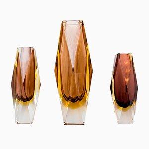 Jarrones italianos de cristal de Murano Sommerso facetados, años 60. Juego de 3