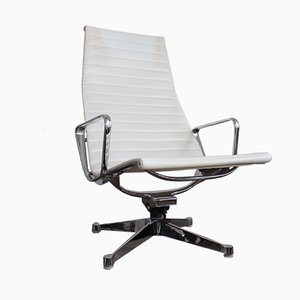 Vintage EA124 Lounge Chair by Charles & Ray Eames for Herman Miller