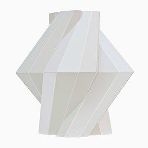 Vaso Fortress in ceramica bianca di Bohinc Studio