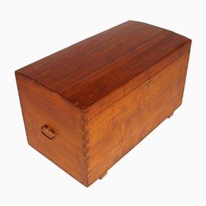 Baúl de viaje rústico antiguo de pino macizo